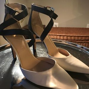Banana Republic black and cream heels